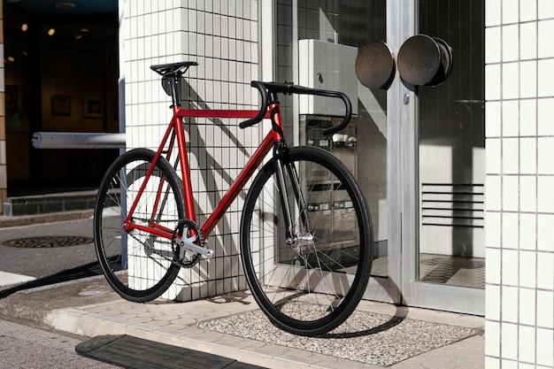 Bicicleta al aire libre en la calle