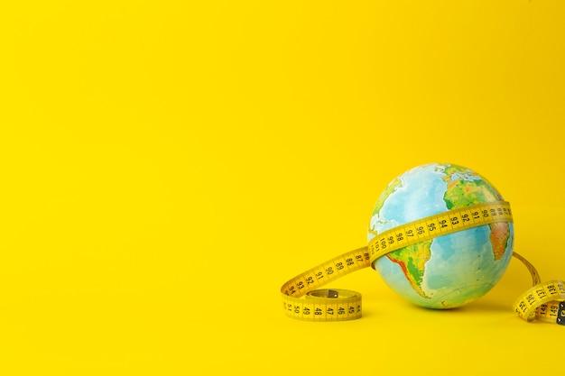 Big data, investigación, estudio, distancias, medidas y concepto de tamaño.