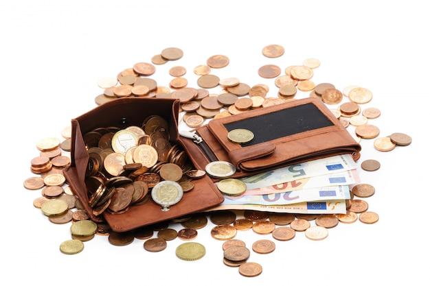 La billetera está llena de dinero