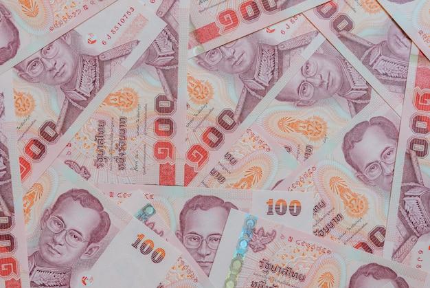Billetes de banco tailandeses de cien baht