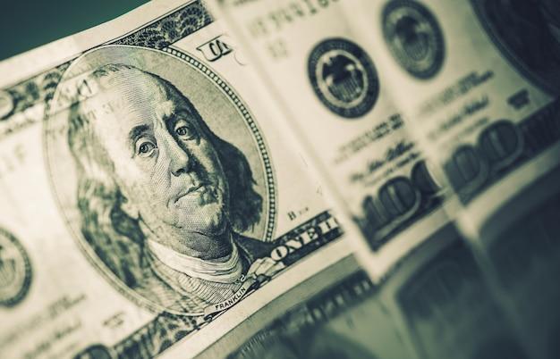 Billetes de dólares americanos