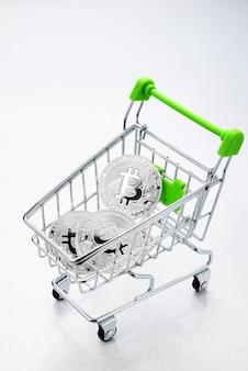 Bitcoin en el carrito de compras