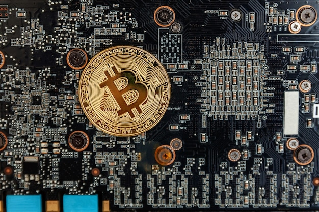 Bitcoins se encuentran en la tarjeta de video, concepto de minería