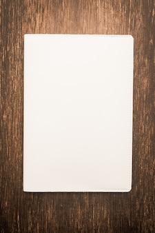 En blanco blanco mock up libro