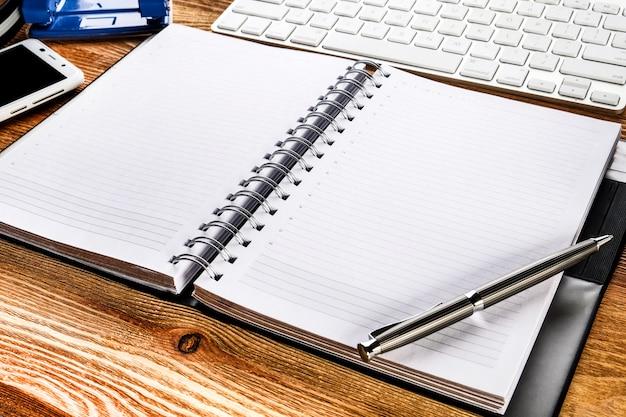 Bloc de notas para notas en el escritorio