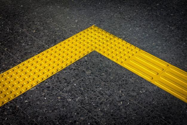 Bloque braille, pavimento táctil para discapacitados ciegos