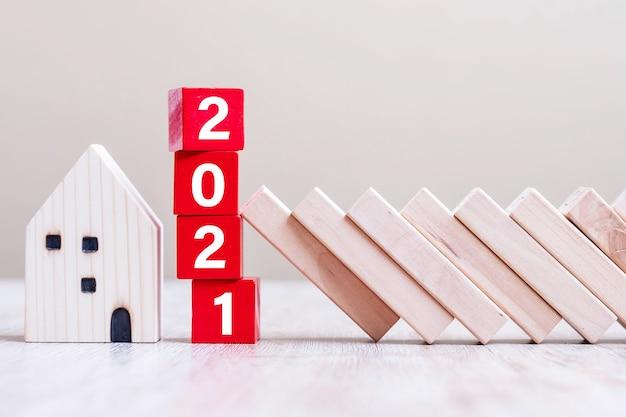 Los bloques de cubos rojos 2021 detienen la caída de los bloques protegen la casa en miniatura