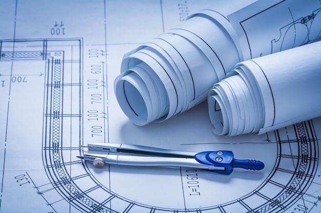 Bocetos de construcción enrollados y concepto de construcción de brújula de dibujo