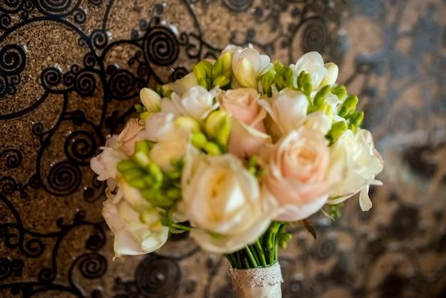 Boda nupcial ramo de rosas.