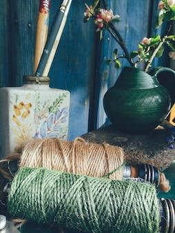 Bodegón composición floral color verde azul