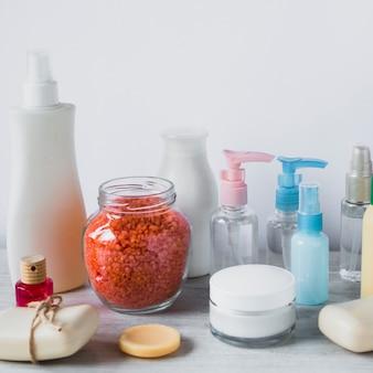 Bodegón de productos de belleza