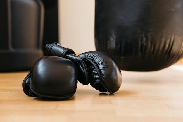 Bodegón de equipamiento de boxeo
