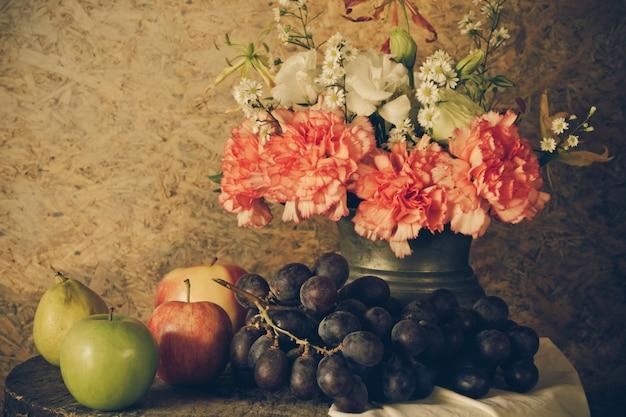 Bodegón con frutas.