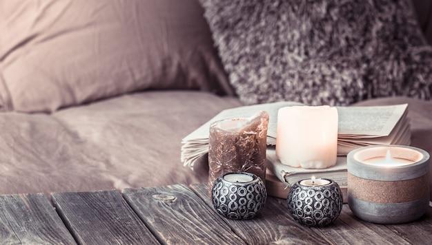 Bodegón hogar acogedor, detalles interiores en la sala de estar