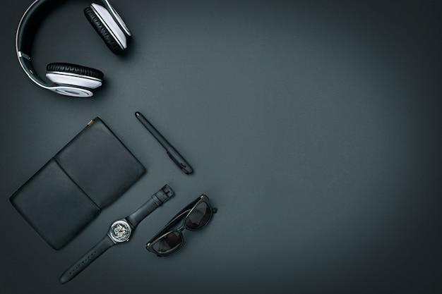 Bodegón de hombre casual. accesorios masculinos modernos en negro