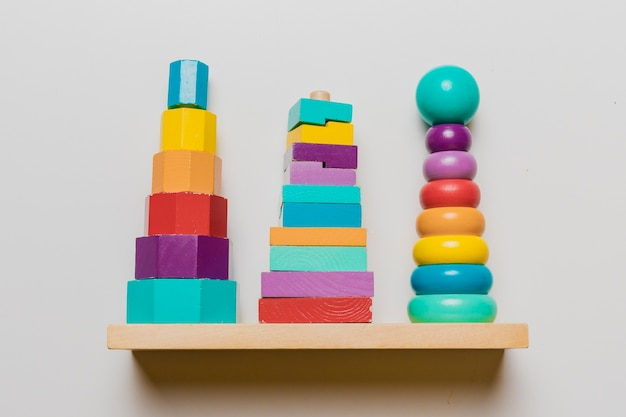 Bodegón de juguetes de niño