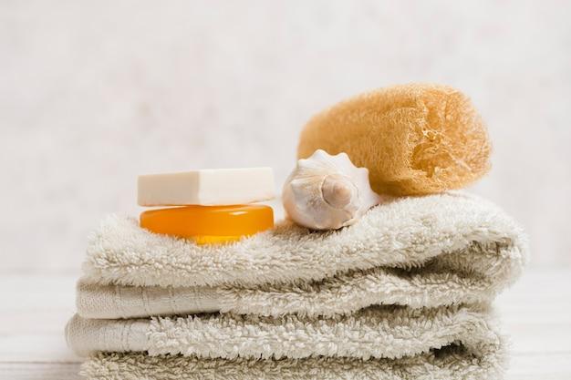 Bodegón de spa con elementos naturales
