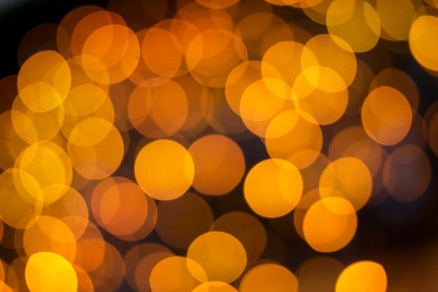Bokeh amarillo brillante colorido de la noche.