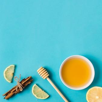 Bol de miel con limón