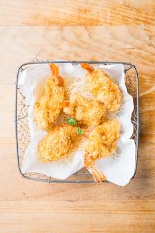 Bola de camarones fritos