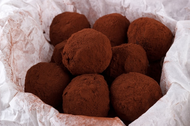 Bolas de ron de chocolate