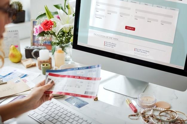 Boleto de reserva de mujer en línea
