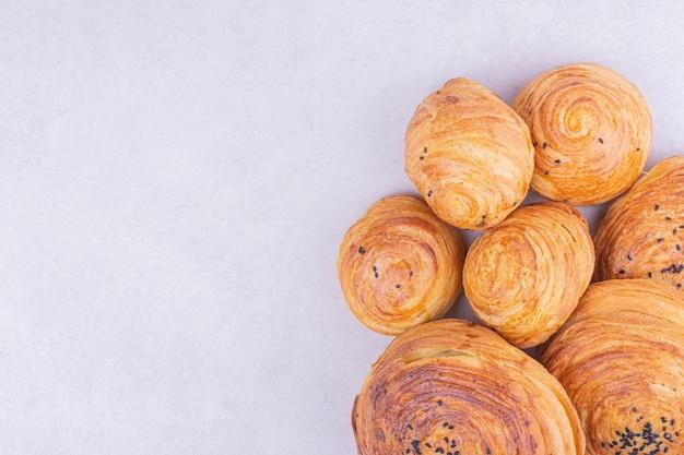 Bollos de gogal tradicionales caucásicos con comino
