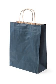Bolsa de embalaje de papel desechable para ir de compras aislado sobre fondo blanco.