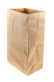 Bolsa de papel marrón sobre fondo blanco.