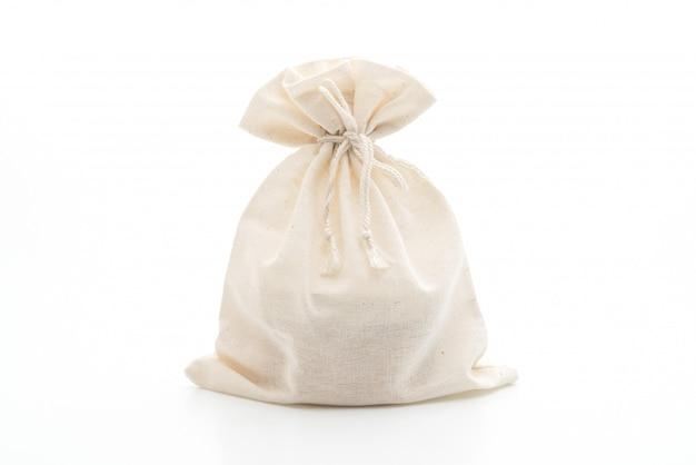 Bolsa de tela blanca sobre blanco
