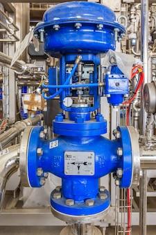 Bomba de agua instalada en maquina- zona industrial.