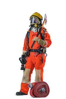Los bomberos y la manguera de bomberos enrollan la escuela de entrenamiento contra incendios y rescate regularmente para prepararse - ayuda, concepto de protección contra incendios