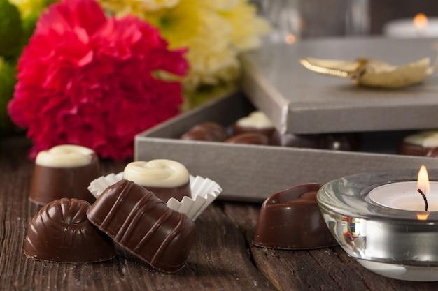 Bombones y flores de chocolate