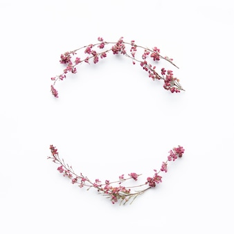 Bonita composición de flores silvestres