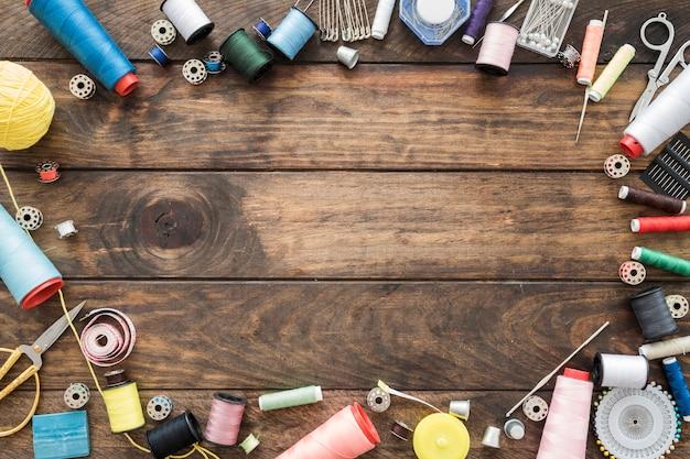 Borde de suministros de costura