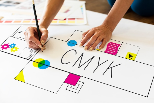 Bosquejo del diseño de cmyk