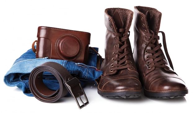Botas, jeans y cinturon