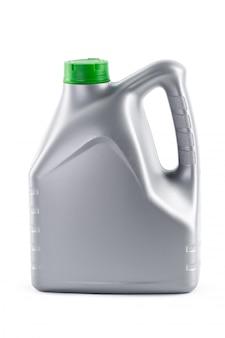 Bote con aceite de máquina aislado en blanco