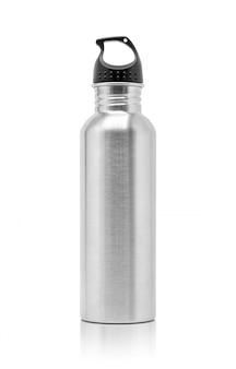Botella de agua metalizada de aluminio para la actividad deportiva.