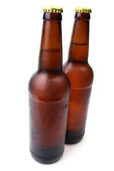 Botella de cerveza aislada