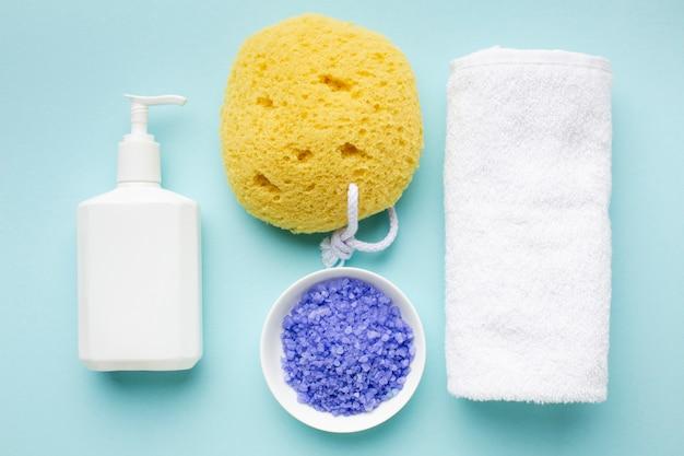Botella de loción y sal de baño