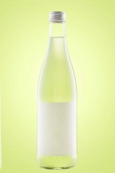 Una botella de refresco o limonada
