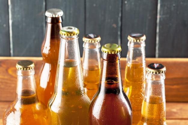 Botellas con cerveza