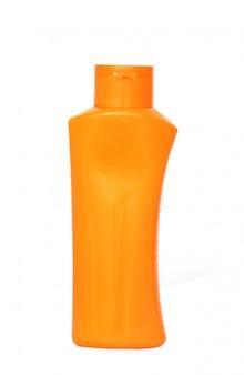 Botellas plásticas de cuidado corporal y productos de belleza.