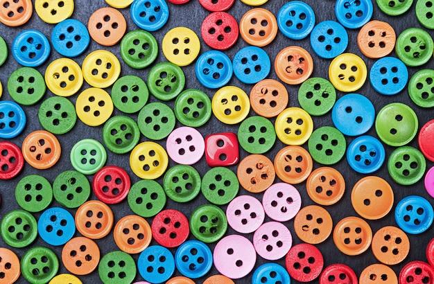Botones brillantes de colores mixtos