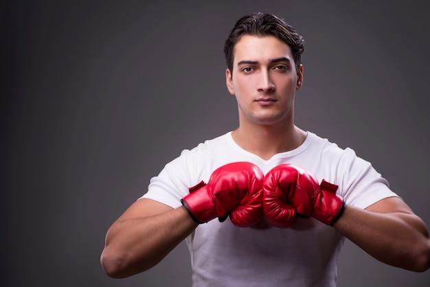 Boxeador guapo en concepto de boxeo