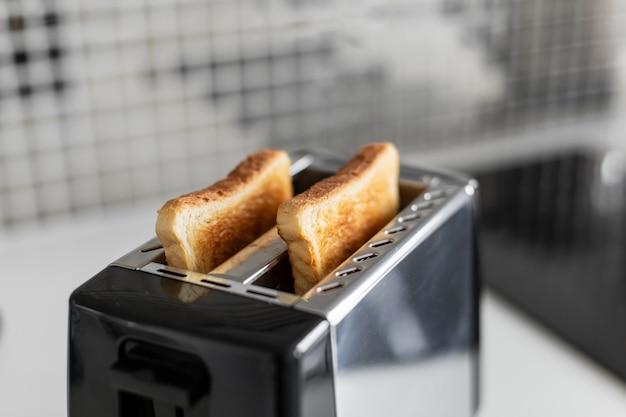 Brindis de desayuno. pan tostado