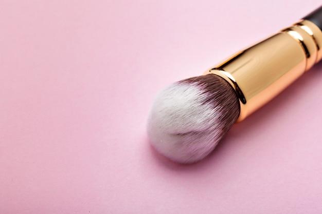 Brocha de maquillaje profesional