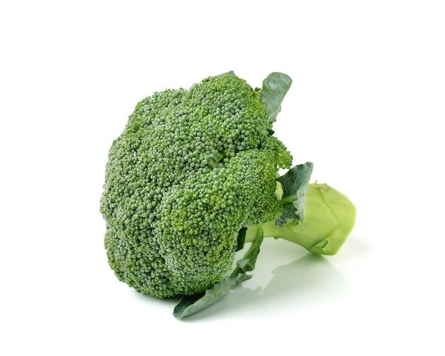Brócoli aislado en blanco ackground