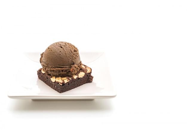 Brownies de chocolate con helado de chocolate